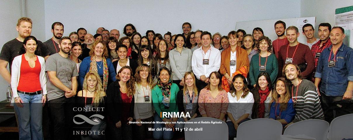 Foto grupal de la Primera Reunión Nacional de Micología y sus aplicaciones en el Ámbito Agrícola